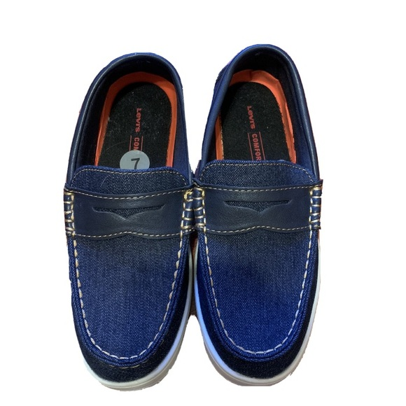 •Levis• Comfort Shoes Loafers Mens Size 7!